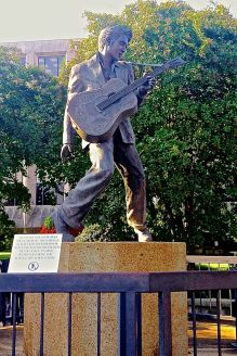 Found this Elvis statue in a park on Beale Street
